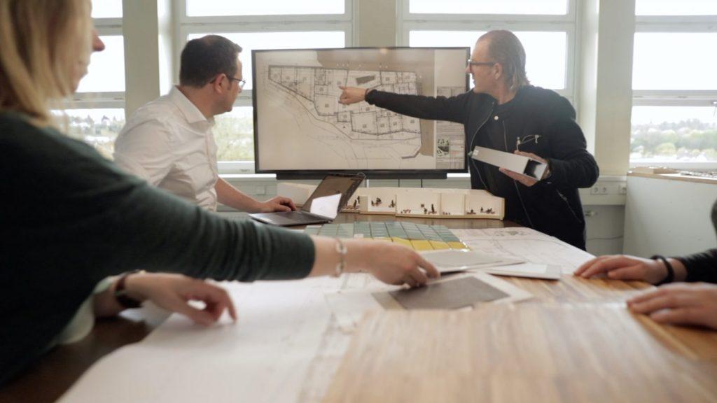 Projektbesprechung Gaus & Knödler Architekten, Göppingen (Foto: Fred Wagner, WWS Film BERLIN)