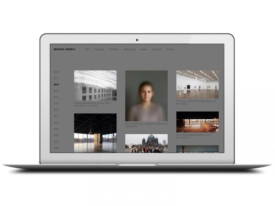 Ansicht der Fotoprojekte eines Jahres auf der neuen Website von Michael Wesely